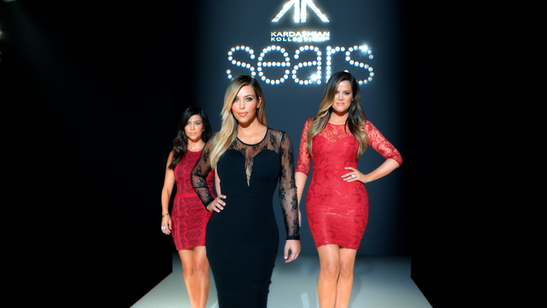 4002-Roth-Sears_KardashianKollection_AGENCY_30