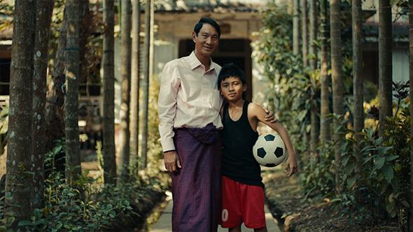 11-OBrad_Coke_Myanmar