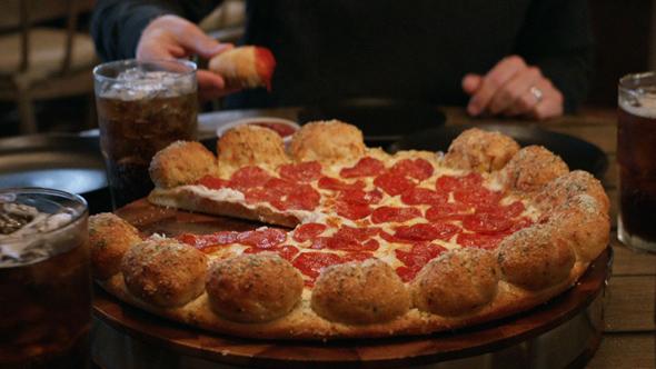 Hussey_Pizza-Hut_Getting-Ready_Web_Thumb